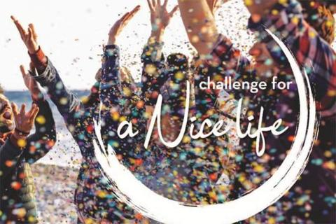 Affiche Challenge for a Nice Life