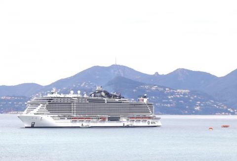 MSC Seaview en rade de Cannes