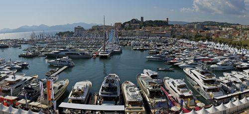 Cannes un l ger vent d optimisme souffle au festival de - Salon plaisance cannes ...