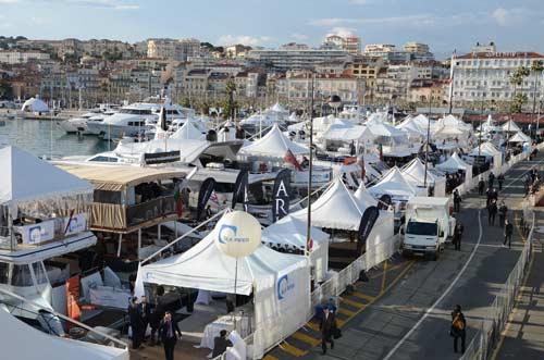 Cannes la jet e du palais des festivals fait peau neuve for Chambre de commerce cannes